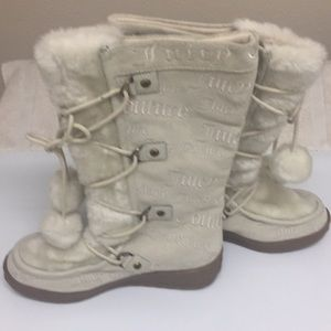 New Juicy Couture White Lace Up Boots Pompoms 9